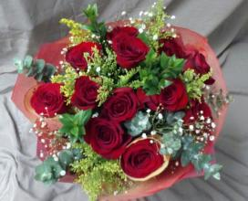 12 Red Roses Wrap Bouquet