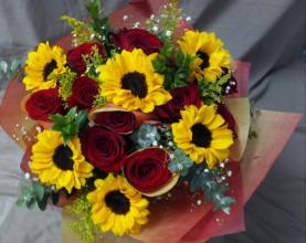 12 Red and 6 Sunflower Wrap Bouquet