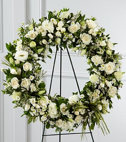 Splendor Wreath In White